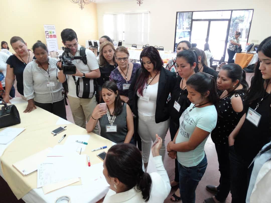 NIMD Honduras ha realizado diversas sesiones de formación para mujeres en política, ante la emergencia por COVID-19 se han trasladado a una modalidad virutal.